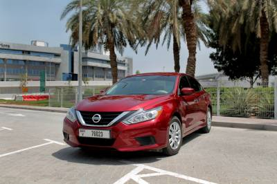 Rent Nissan Altima 2018
